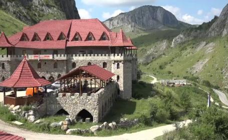 Castele și conace salvate de la ruină și transformate în hoteluri. Prețul unei nopți de cazare