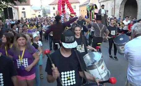 A început cel mai așteptat festival cultural din județul Brașov - C\'art Fest