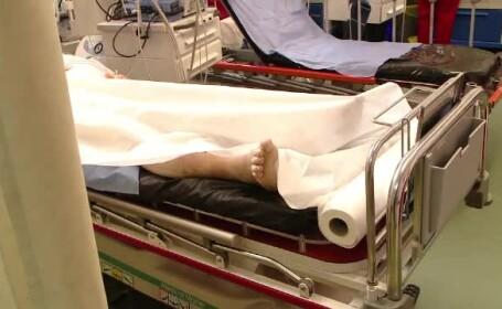 Un bărbat a murit pe scările spitalului din Craiova. Ce se întâmplase în urmă cu puțin timp