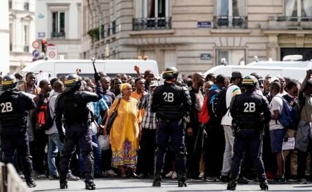 """Protest al """"vestelor negre"""" la Panteonul din Paris. Ce nemulțumiri au protestatarii. - 3"""