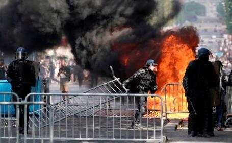 Lupte între forţele de ordine şi vestele galbene în Paris, după parada de 14 Iulie
