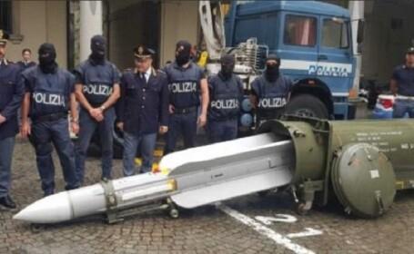Arsenal de război, confiscat de la simpatizanți ai extremei drepte în Italia - 1