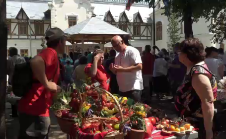 Festivalul roşiilor, la Buzău