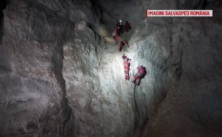 Salvare spectaculoasă, într-o peşteră din Apuseni. Echipele au lucrat la 6 grade Celsius