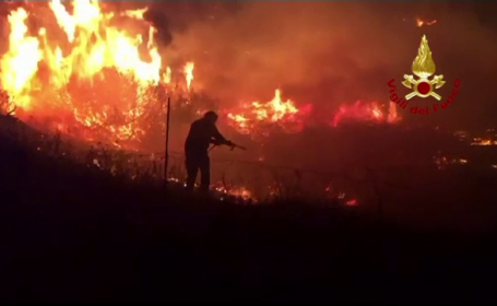 Destinaţii turistice din Europa au fost arse. Incendiile de vegetație, extrem de periculoase