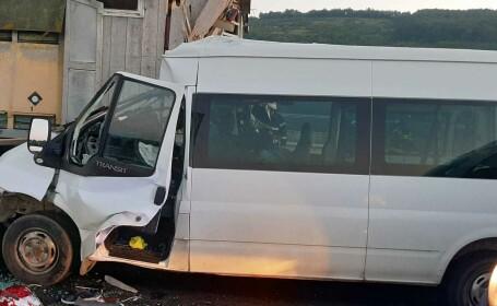 Accident grav pe A1. O femeie a murit, iar soțul și cei 3 copii au fost răniți. GALERIE FOTO - 9