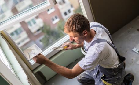 Tot mai mulţi români își renovează locuințele cu banii de concediu