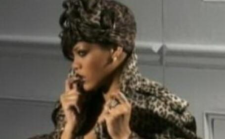 Rihanna cu un trup perfect sau Photoshopul face din nou minuni?