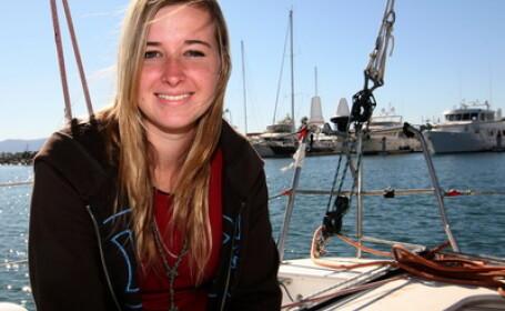 Fata de 16 ani disparuta in Oceanul Indian, gasita teafara