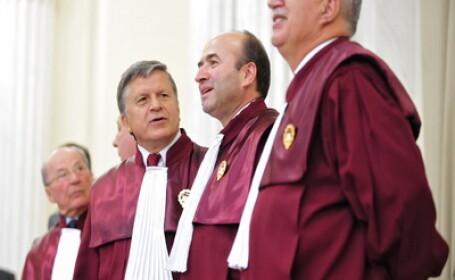 Judecatori ai Curtii Constitutionale