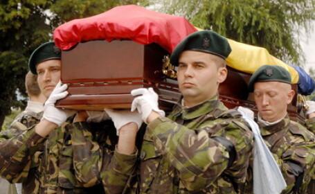 Caporalul roman ucis in Afganistan, inmormantat cu onoruri militare