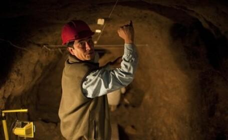Muncitor in tunel