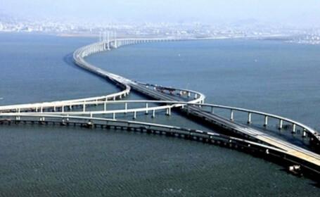 Cel mai lung pod din lume peste apa. A fost construit in 5 ani si a costat 6 miliarde de euro