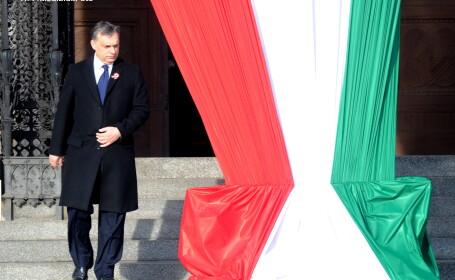 Premierul Ungariei, Viktor Orban, a fost atacat cu rosii in timpul vizitei de la Baile Tusnad