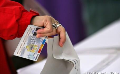 Referendum 2012. IPJ Dolj: Informatiile ca unor angajati le-au fost oprite buletinele nu se confirma