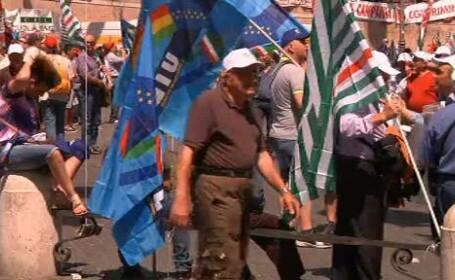 Sindicalistii au protestat la Roma impotriva noilor masuri pentru reducerea datoriilor colosale
