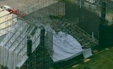Tragedie inaintea unui concert unde erau asteptati 40.000 de spectatori. Scena s-a prabusit