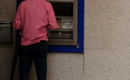 Povestea englezului care a pierdut 5.000 de lire crezand ca vorbeste cu banca si firma de carduri
