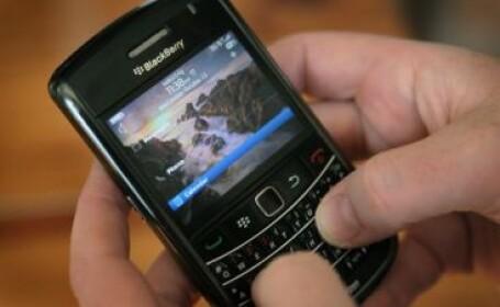 A ajuns la spital dupa ce telefonul BlackBerry i-a explodat in pat si i-a produs arsuri grave