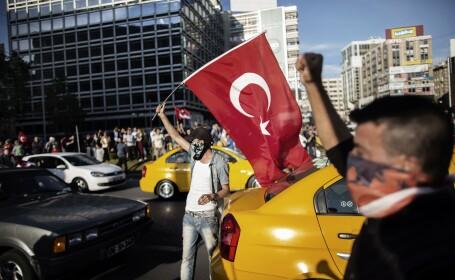 Primele ciocniri intre sustinatorii premierului turc si protestatari. Avertismentul lui Erdogan