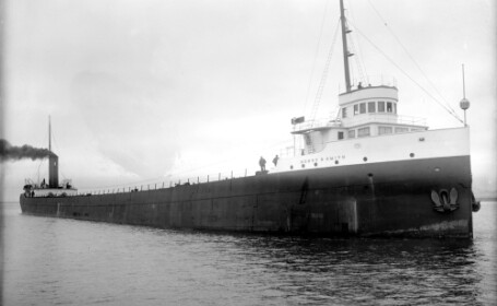 Un vas fantoma, disparut acum 100 de ani, a fost gasit pe fundul unui lac din Michigan
