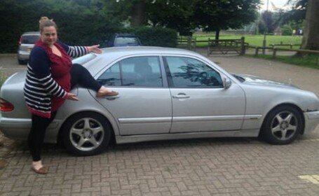 Modul in care si-a scos masina la vanzare pe eBay a atras atentia multor barbati. FOTO