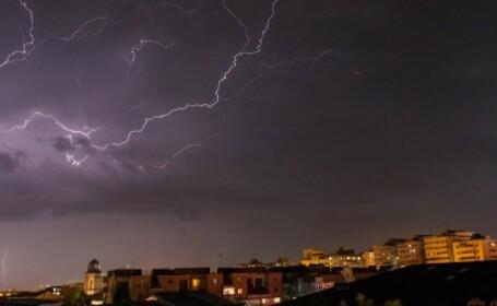 Cod galben de ploi torentiale si grindina in aproape toata tara. Avertizarea, pana miercuri la 23.00