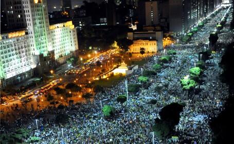A 10-a zi de proteste in Brazilia. Un milion de oameni pe strazi, impotriva coruptiei si saraciei