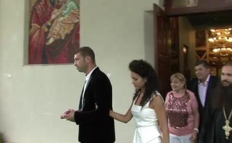 La o saptamana de la nunta, Lucian Bute si sotia sa au fost cu nasii la biserica, potrivit traditiei