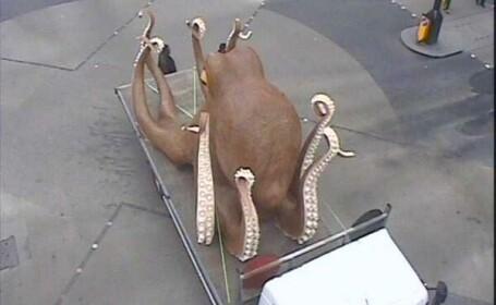 O caracatita gigant a blocat traficul din centrul Londrei. Cum s-a ajuns in aceasta situatie