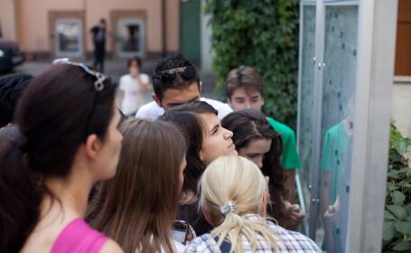 Hunedoara: 19 elevi cu medii sub 3 admisi la liceu, in timp ce o eleva cu 7,16 a ramas fara loc