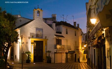 statiunea Marbella noaptea