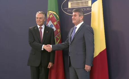 Gabriel Oprea l-a primit la Palatul Victoria pe presedintele portughez. Cand afla Victor Ponta daca se poate intoarce in tara