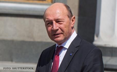 Basescu si Macovei vorbesc despre \