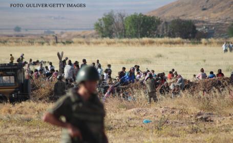 refugiati din calea Statului Islamic la granita cu Turcia