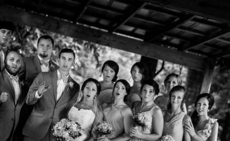 Mirii si nuntasii au avut un şoc in momentul in care erau fotografiati. Ce au vazut in faţa lor