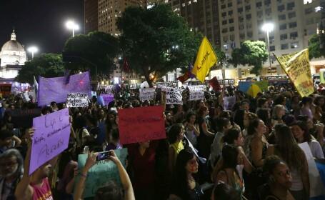 5000 de femei au protestat pe strazile din Rio de Janeiro, in Brazilia, impotriva abuzurilor sexuale