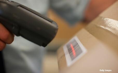 pachet trimis prin posta