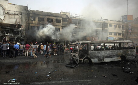 Doua atentate cu masini-capcana comise in Irak. 22 de persoane au murit