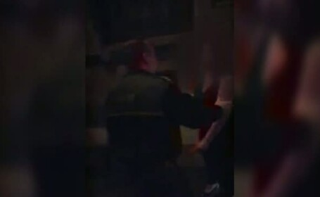 O femeie din Iasi, la un pas de-a fi batuta de patroana unui club, pentru ca a chemat politia din cauza galagiei din local