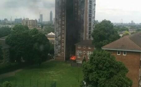 Bloc cu 15 etaje cuprins de flacari in numai cateva minute, dupa o explozie. Imaginile, virale inainte de stingerea focului