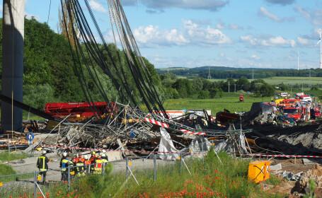 Tragedie in Germania. Un muncitor a murit si 6 sunt grav raniti dupa ce un pod rutier s-a prabusit. VIDEO