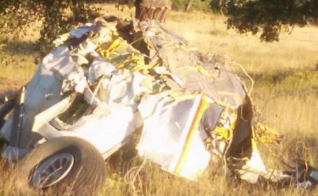 Un mort si trei raniti grav dupa ce un avion usor, cu parasutisti, s-a prabusit in Portugalia. Imagini de la locul tragediei