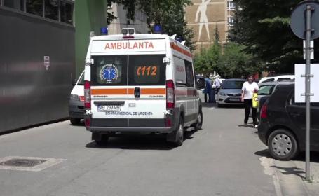 Un sofer suparat ca fusese ignorat de o fata a intrat cu masina in grupul tinerei. Un adolescent a ajuns in coma la spital