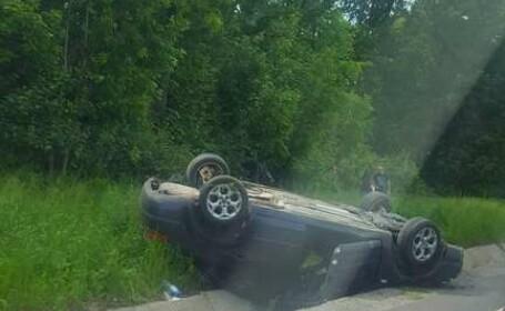 Accident grav pe DN1, la iesirea din Codlea. Doua autoturisme s-au rasturnat dupa ce s-au ciocnit frontal. VIDEO