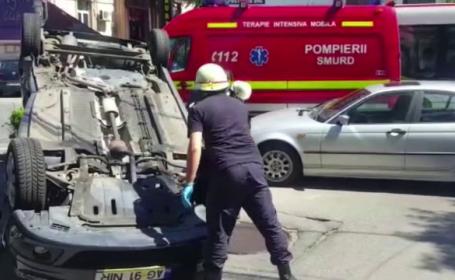 Masina unui sofer de 80 de ani, izbita violent de un alt autoturism. Cine a fost vinovat
