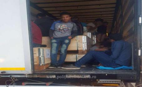 91 de migranti din Siria si Irak descoperiti intr-un TIR, in Vama Nadlac. Ce scria in documentele de transport
