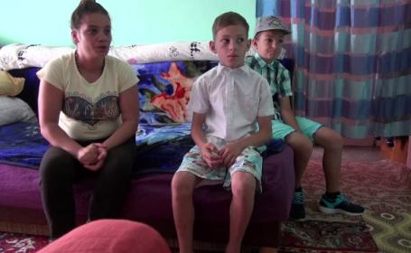 O mamă din Bacău şi cei 2 copii riscă să ajungă în stradă din cauza datoriilor