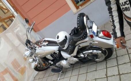 Un motociclist a agresat un polițist, după ce acesta l-a avertizat că va fi sancționat