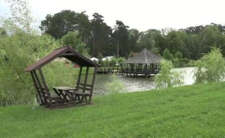 Turiștii străini sunt încântați de campingul din Dragomirna, care are inclusiv un foișor pe apă